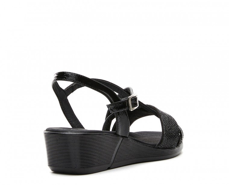 Patent leather sandal with strass ornament and buckle closure