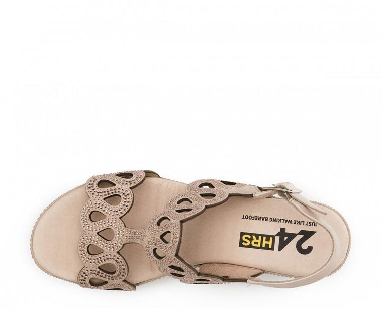 Sandalia de piel nobuck con adorno strass y cierre de hebilla