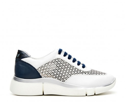 Mixed leather and micro perforated sneaker