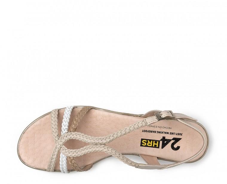 Sandalia de piel trenzada con cierre de hebilla