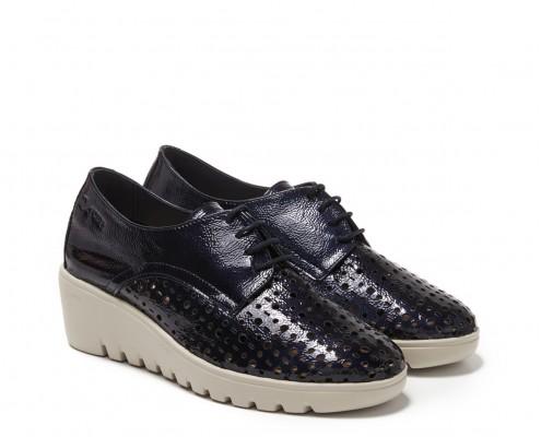 Patent leather laces blucher