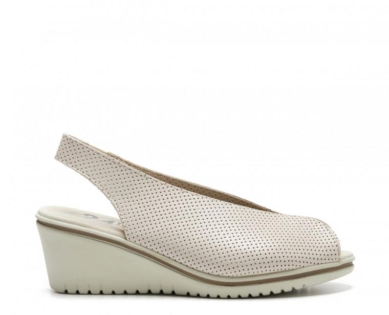 Zapato abierto de puntera y talón en piel microperforada