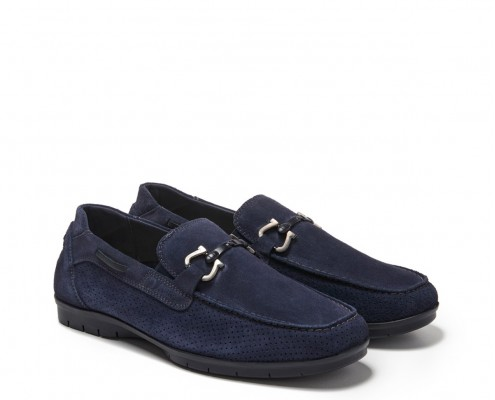 Suede leather moccasin with stapes ornament