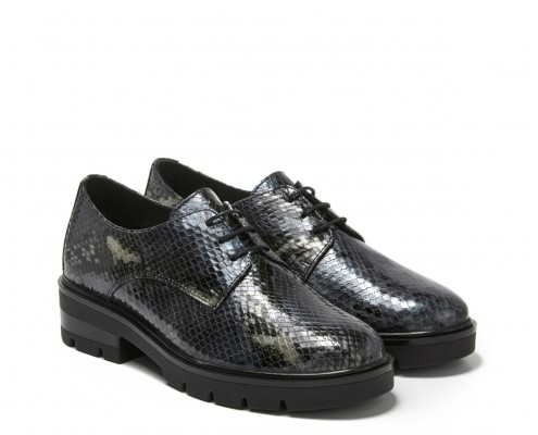 Snake finish leather blucher with laces
