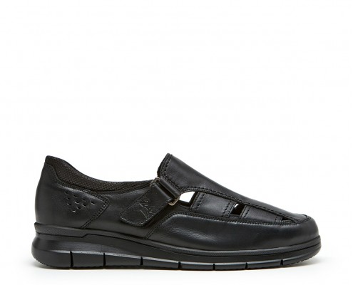 Leather sandal velcro clousure