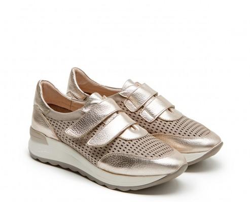 Sneaker piel nobuck perforada y velcro