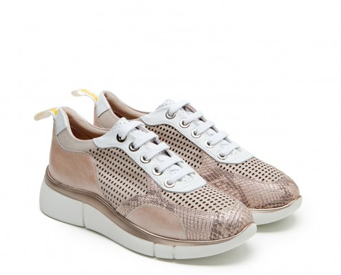 Combined leather and perforated sneaker