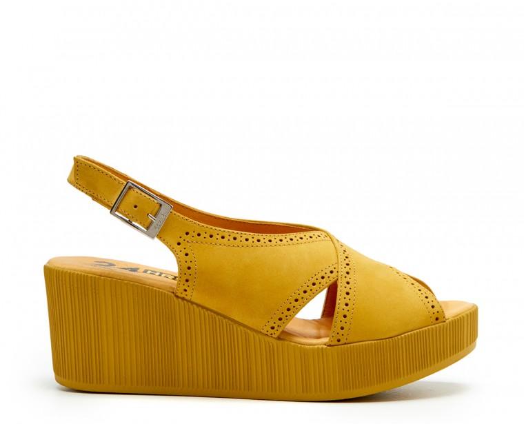 Nubuck leather sandal with buckle closure